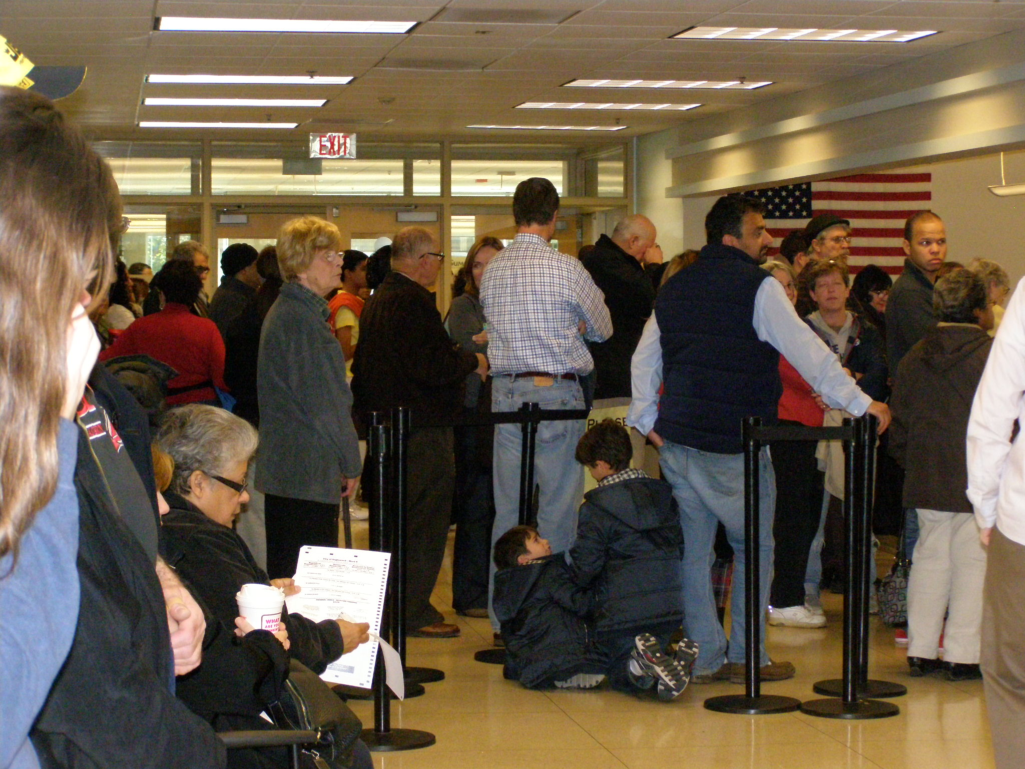 Hundreds wait to vote in person at Bergen County Clerk Nov 4 2012