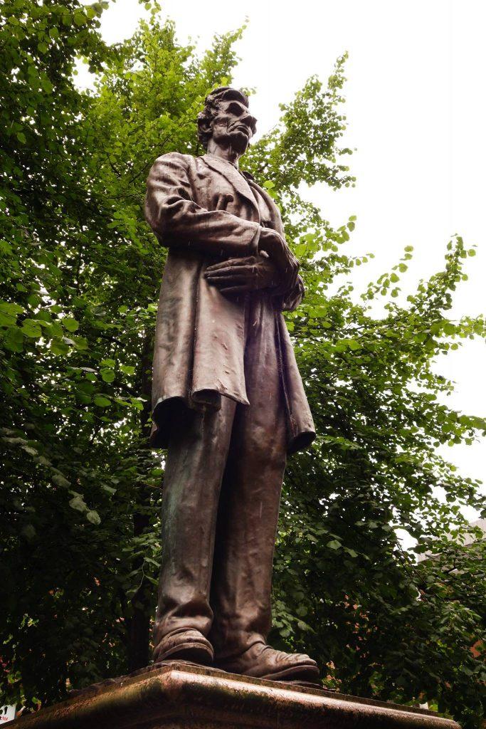 Statue Lincoln in Lancashire